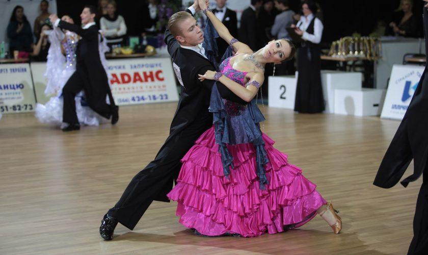Студия танцев приглашает Вас научиться танцевать